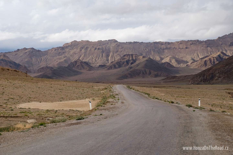 Tádžikistán, Jaci nesmí v Pamíru chybět - Tajikistan, You shouldn't miss yaks in Pamir-2