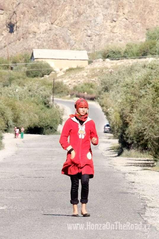 Tádžikistán, Ve vsi v Pamíru - Tajikistan, In a Pamir village