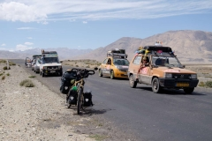 Tádžikistán, Účastníci Mongol rallye / Tajikistan, Participants of Mongol Rally