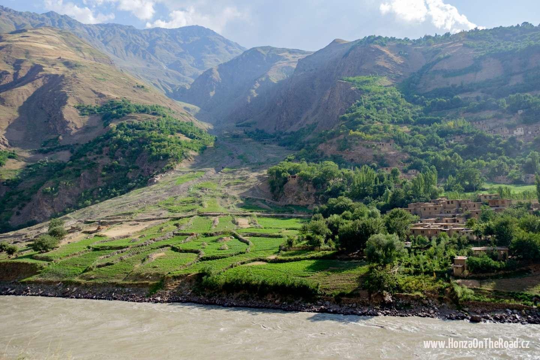 Tádžikistán, Afghánská vesnice - Tajikistan, An Afghan village