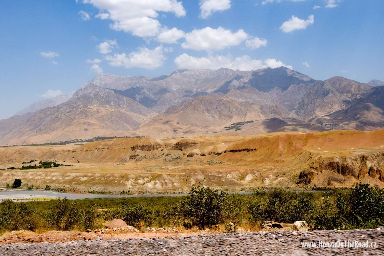 Tádžikistán, Hory jižně od Dušanbe - Tajikistan, Mountains south of Dushanbe