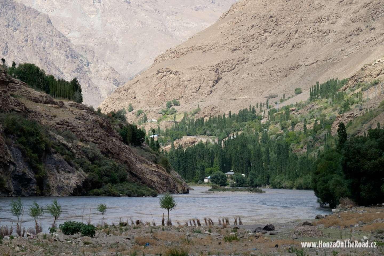 Tádžikistán, Na jih od Chorogu - Tajikistan, To the south of Khorogh
