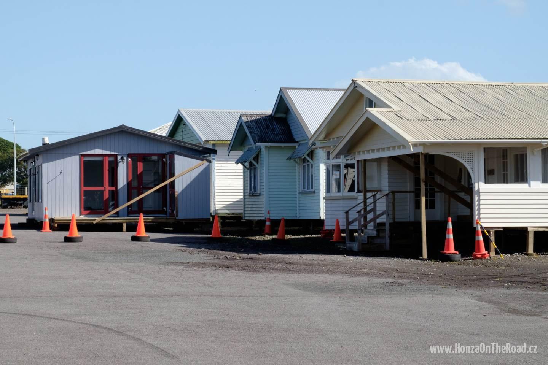 Nový Zéland, Supermarket s hotovými domy - New Zealand, Supermarket with instant houses-2