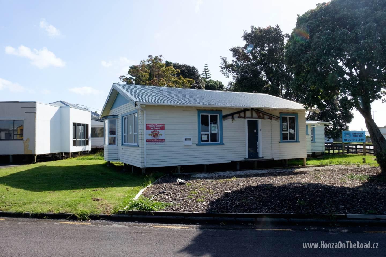 Nový Zéland, Supermarket s hotovými domy - New Zealand, Supermarket with instant houses
