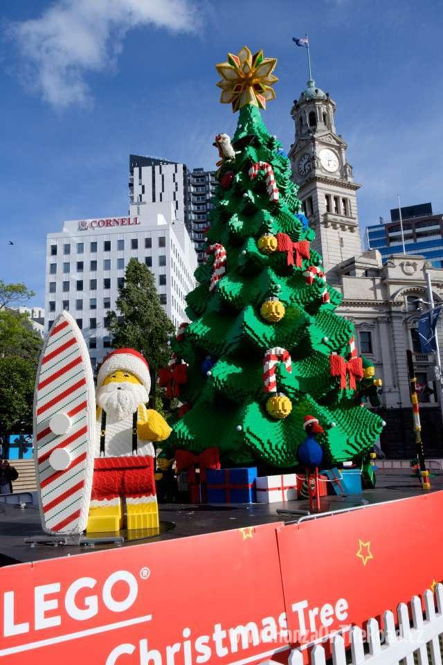 Nový Zéland, Auckland, Vánoční strom z Lega - New Zealand, Auckland, Lego Christmas Tree-3