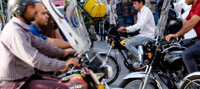 Provoz na teheránských ulicích / Traffic in the streets of Tehran